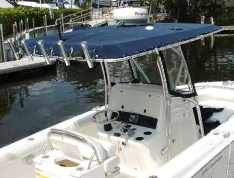 Boston Whaler® Outrage 240 T Top Side Curtains OEM G