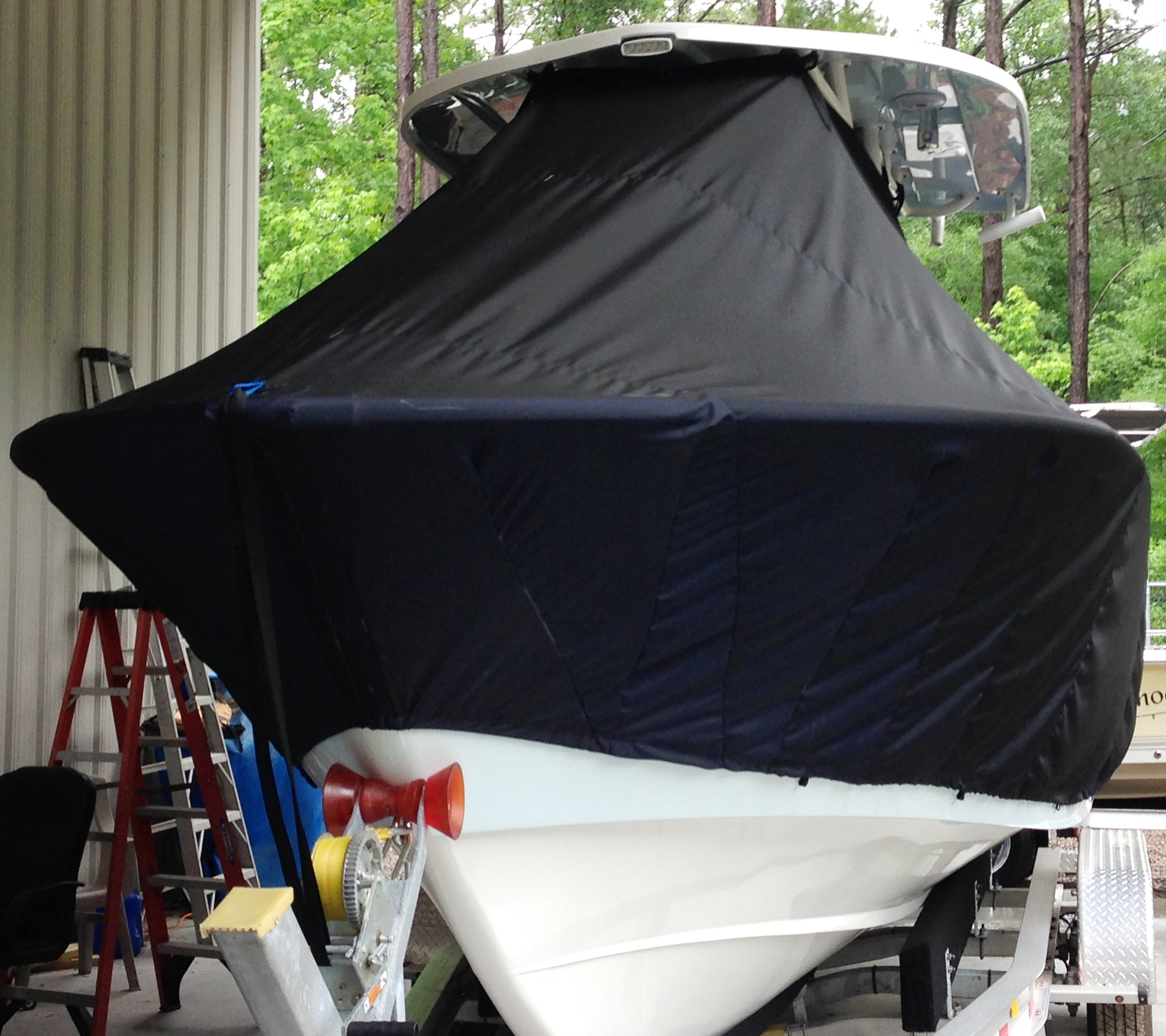 Cape Horn 27CC Offshore, 20xx, TTopCovers™ T-Top boat cover front