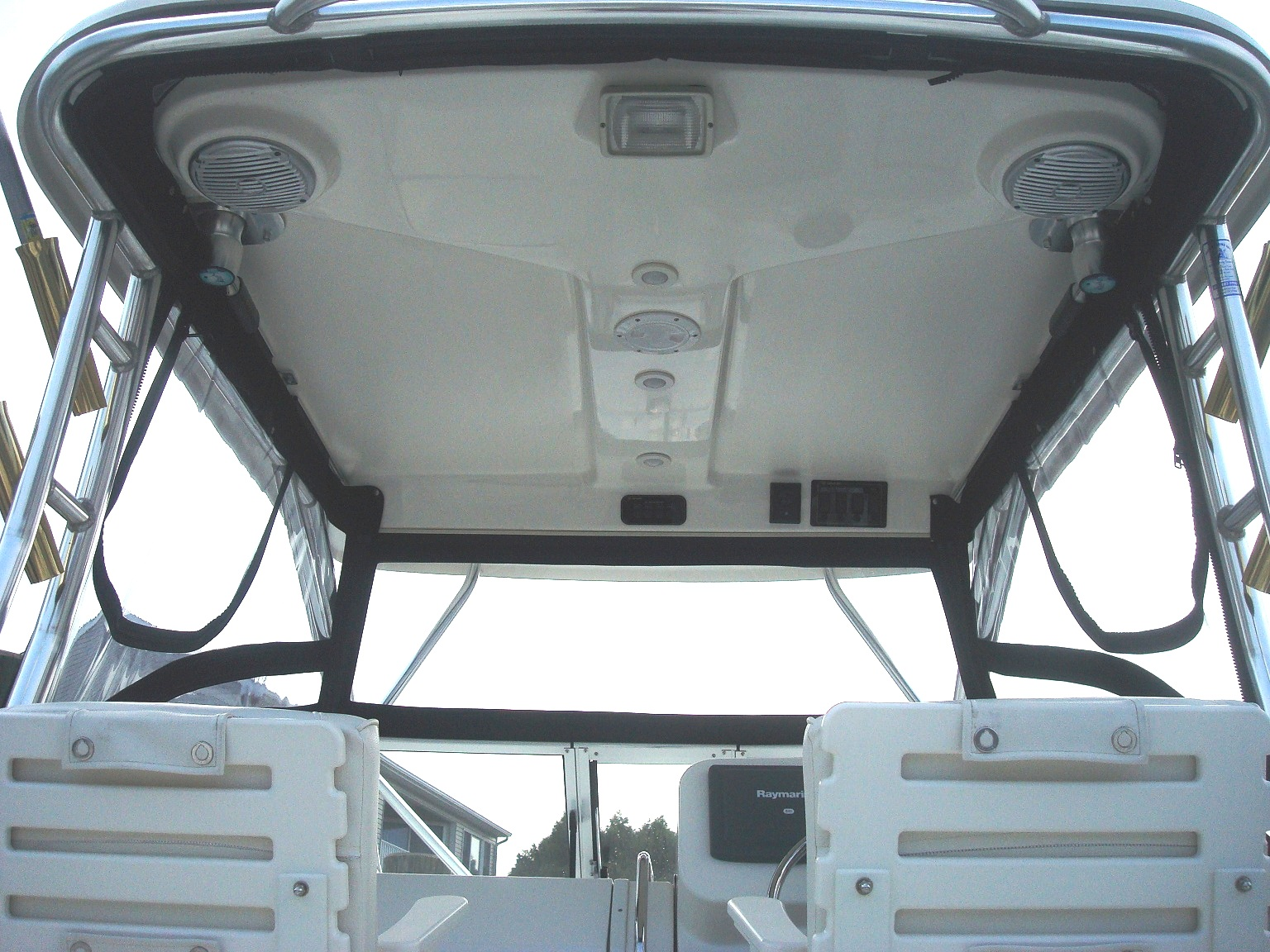 Century 2600WA, 2009: Hard-Top,, Front-Connector Side-Curtains, inside