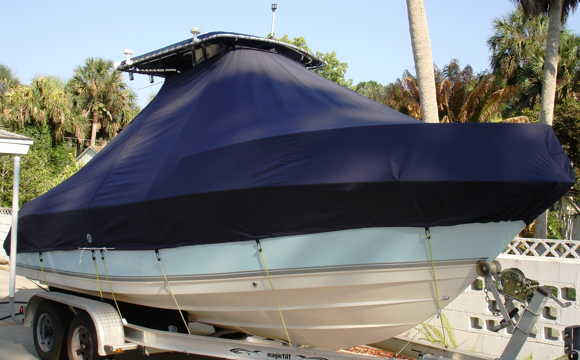 Cobia 214CC, 20xx, TTopCovers™ T-Top boat cover, starboard front
