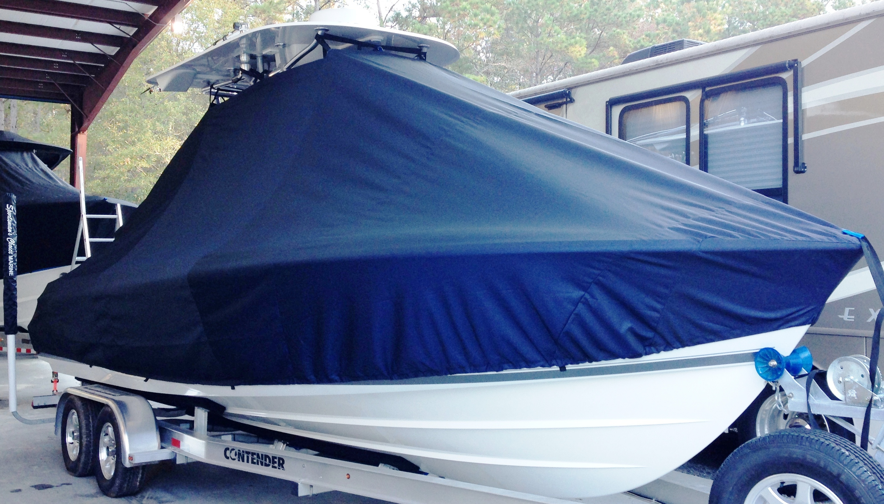 Contender 24S Sport, 20xx, TTopCovers™ T-Top boat cover, starboard front