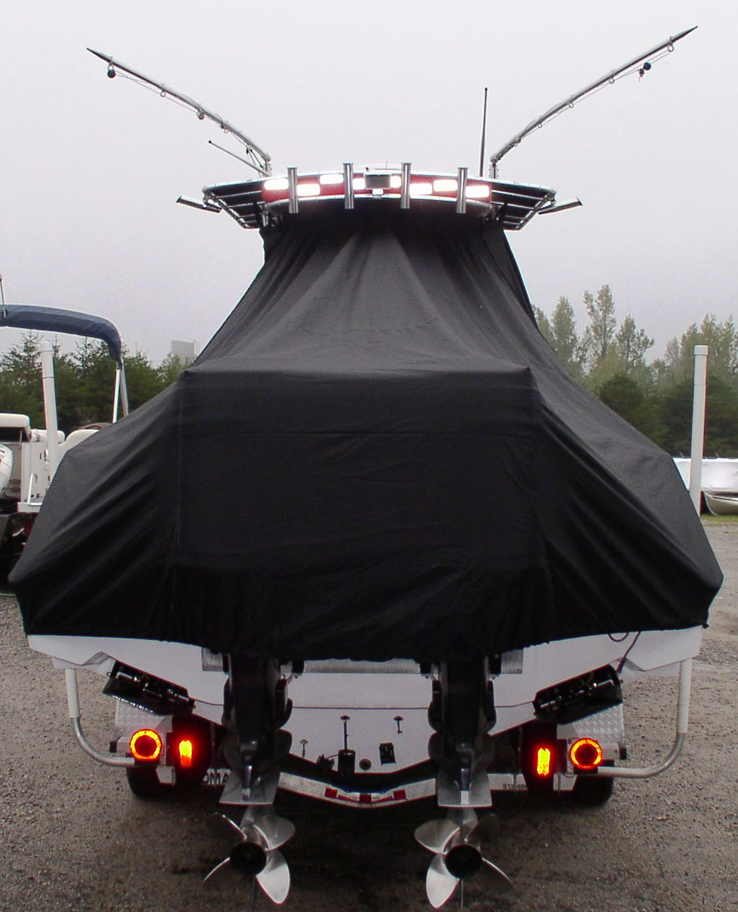 Donzi 32 ZF Open, 20xx, TTopCovers™ T-Top boat cover rear