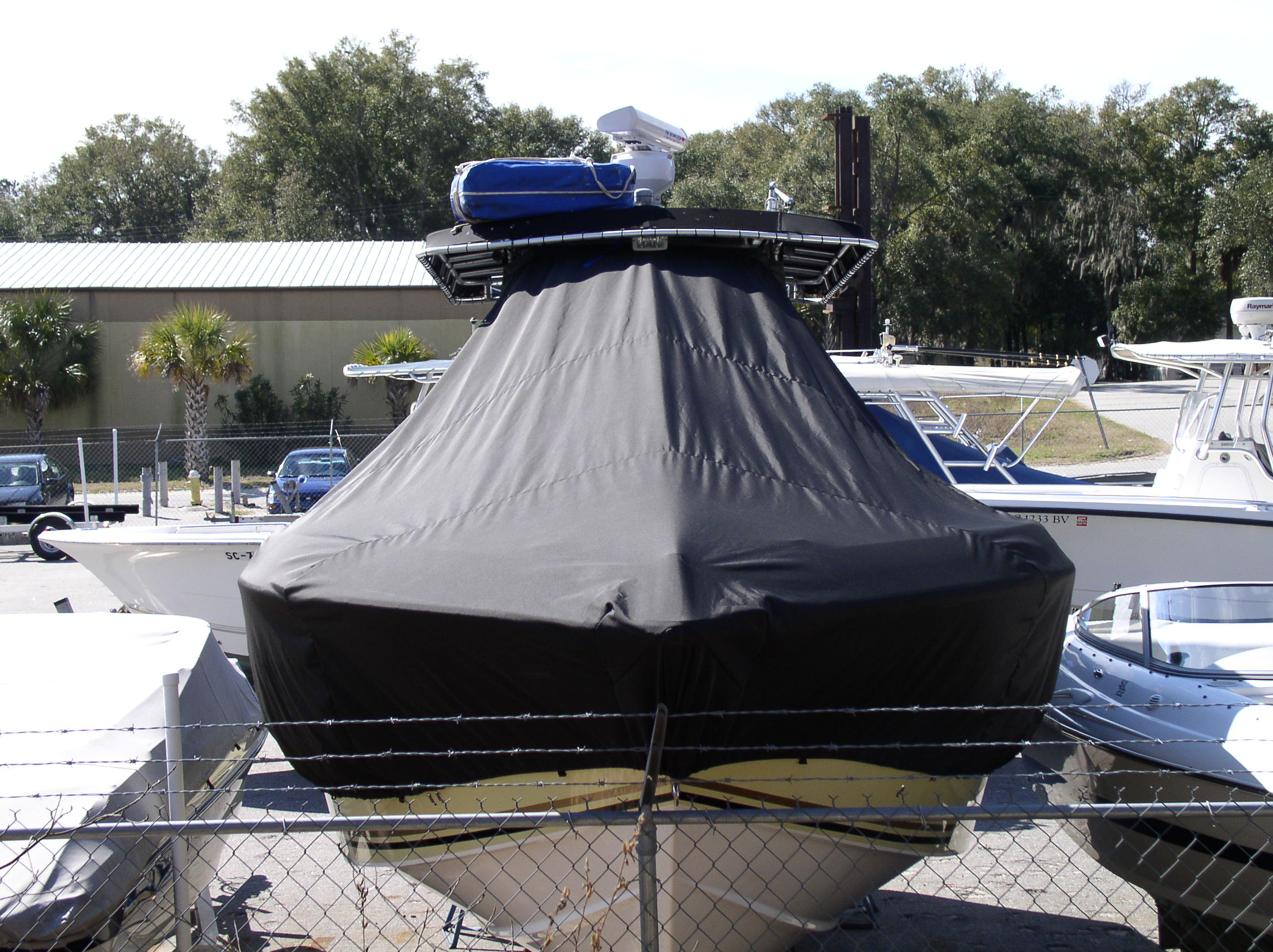 Fountain 32CC, 20xx, TTopCovers™ T-Top boat cover front