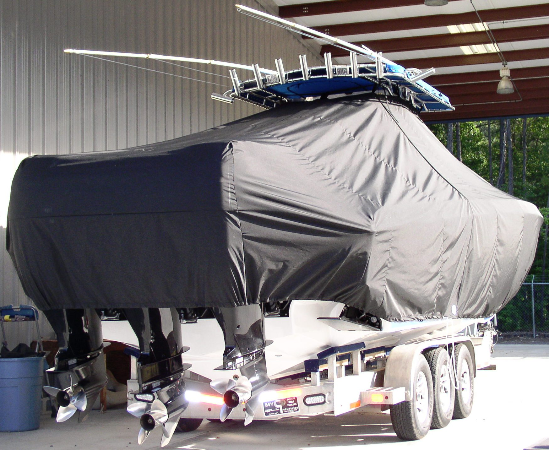 Fountain 38CC, 20xx, TTopCovers™ T-Top boat cover, starboard rear