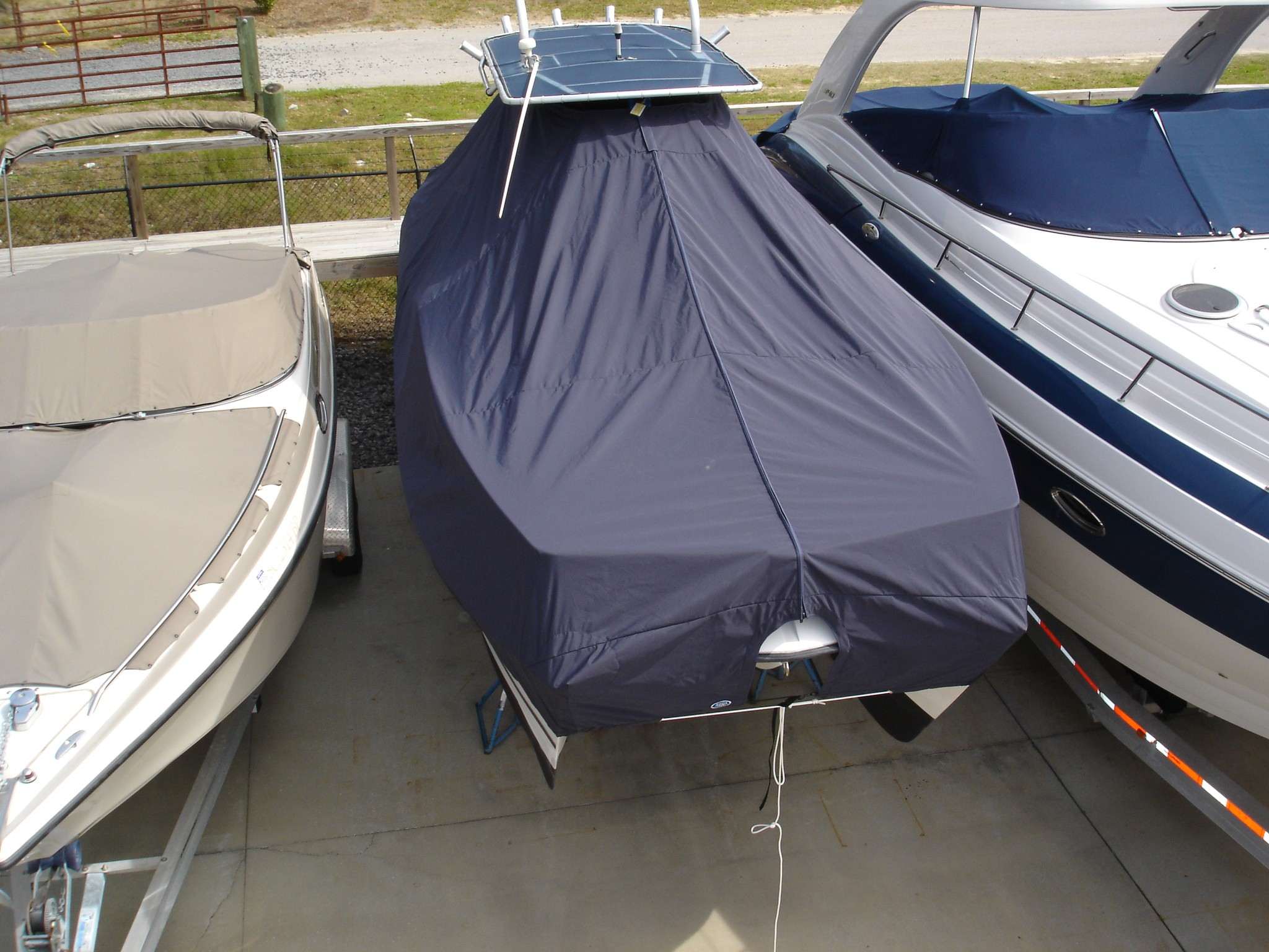 Glacier Bay 2665 Canyon Runner, 20xx, TTopCovers™ T-Top boat cover front above