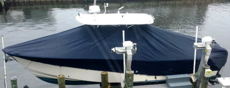 Grady White Bimini 306, 20xx, TTopCovers™ T-Top boat cover On Lift, starboard side