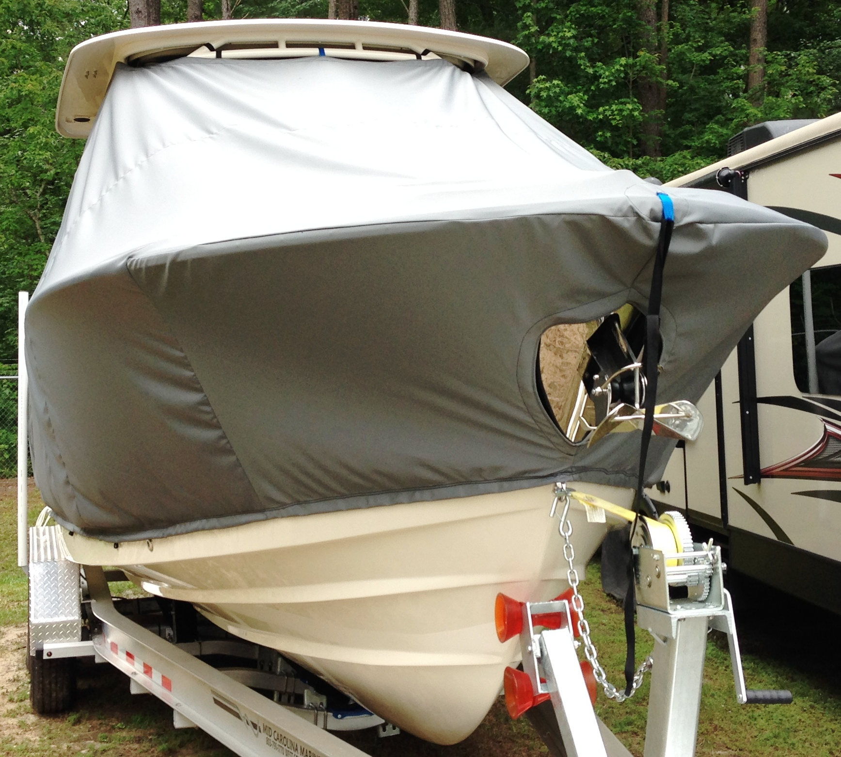 Grady White Freedom 275, 20xx, TTopCovers™ T-Top boat cover front