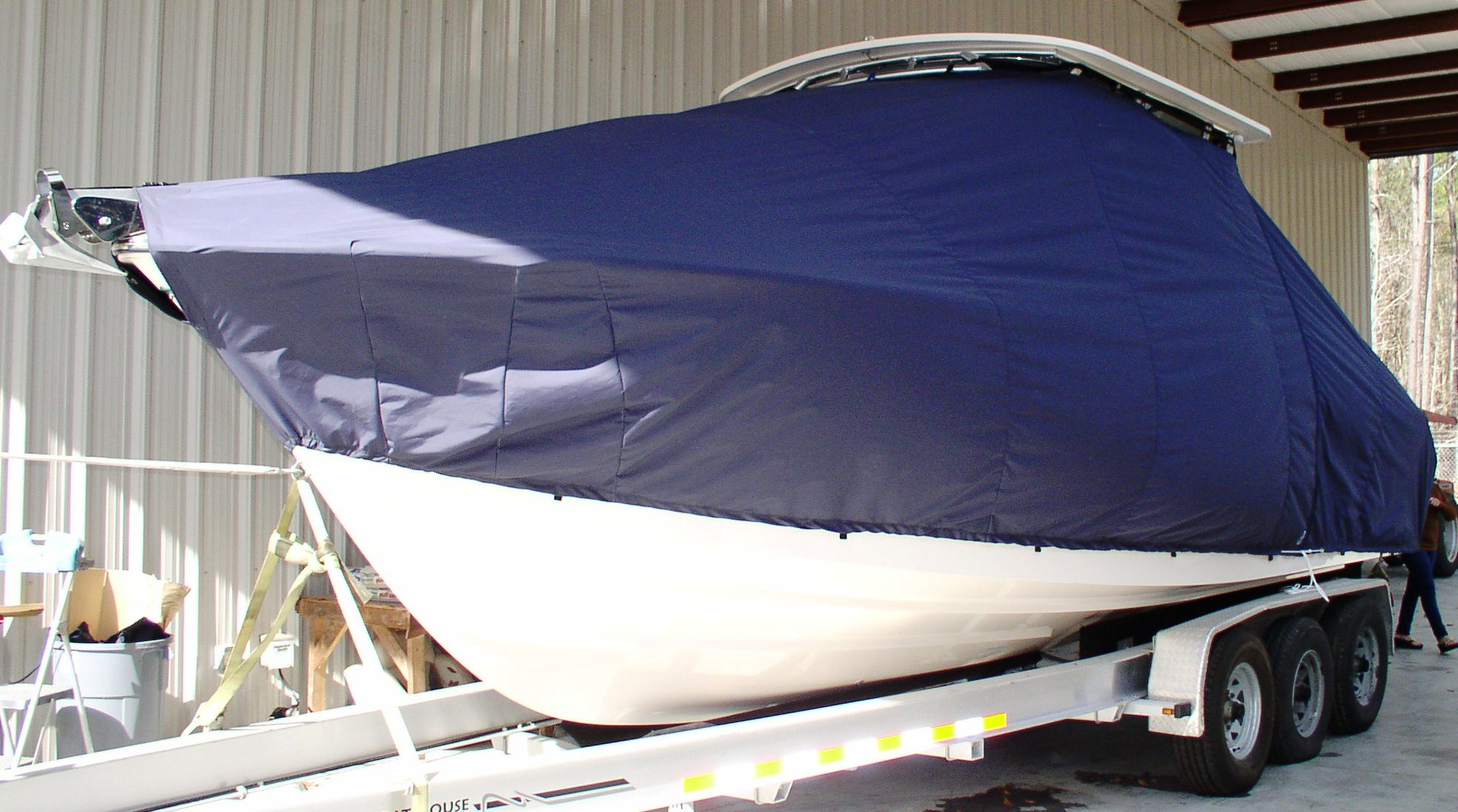 Grady White Turnament 275, 20xx, TTopCovers™ T-Top boat cover, port front