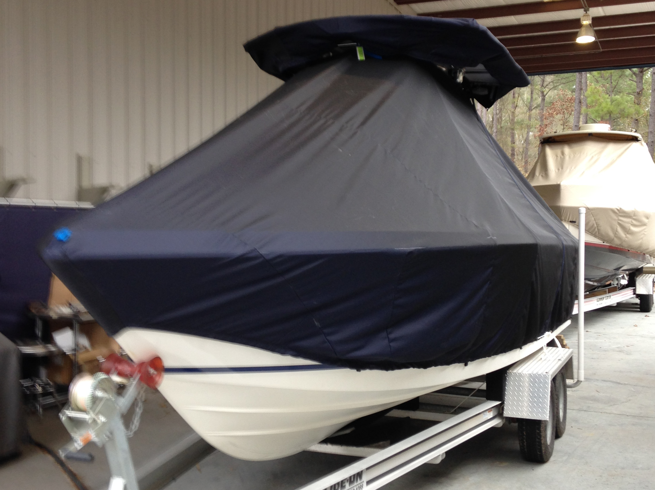 Hydrasports 2390CC, 20xx, TTopCovers™ T-Top boat cover, port front