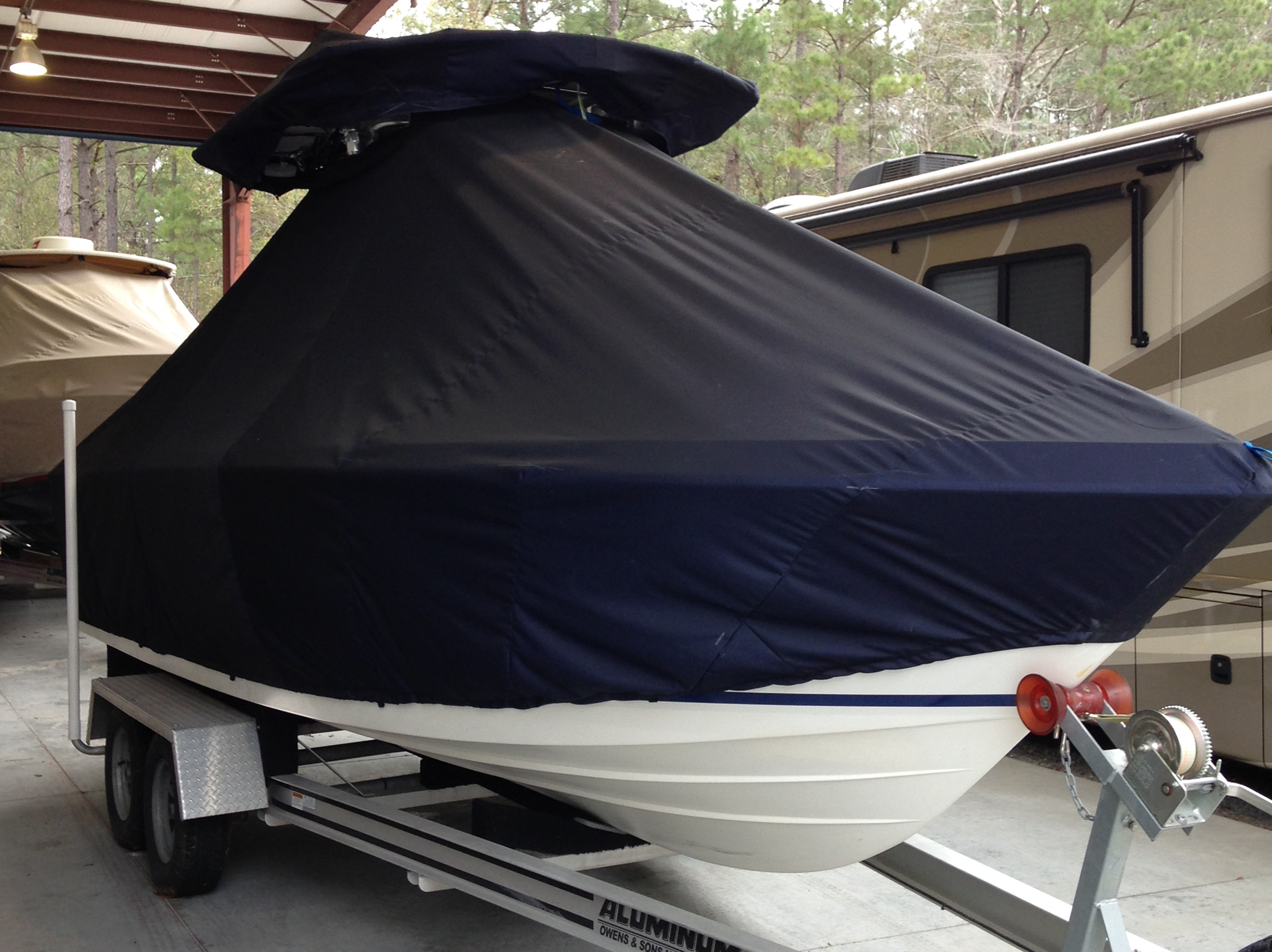 Hydrasports 2390CC, 20xx, TTopCovers™ T-Top boat cover, starboard front