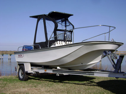 Montauk-T-Topless-2™ Spray-Shield and Gull-Wings on 1988 Boston Whaler® Montauk™ 17 Picture