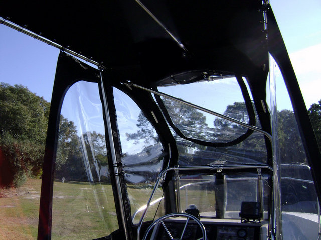Montauk T Topless Spray Shield Gull Wings Inside DSC03955 640x480