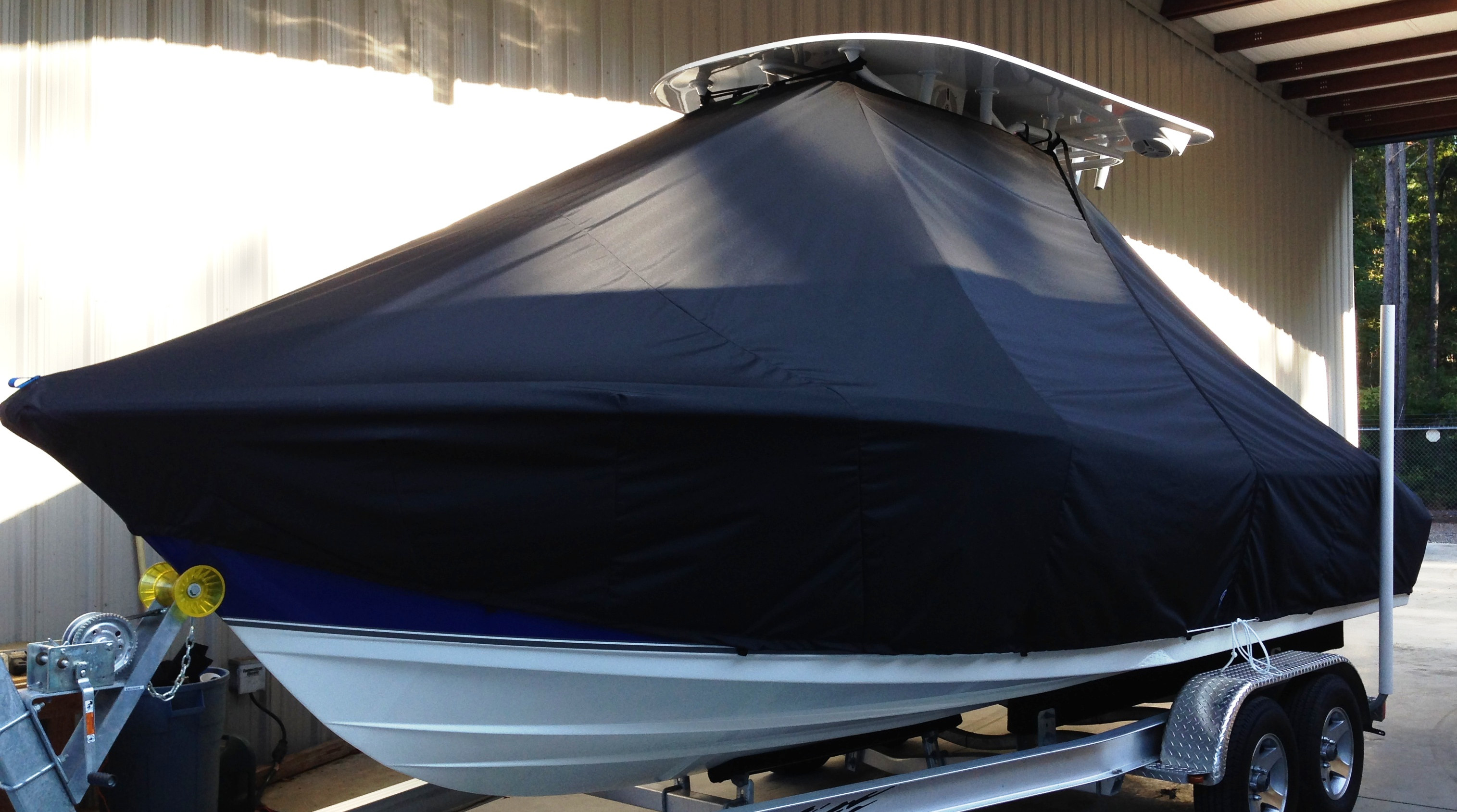 NauticStar 2200XS Offshore, 20xx, TTopCovers™ T-Top boat cover, port front