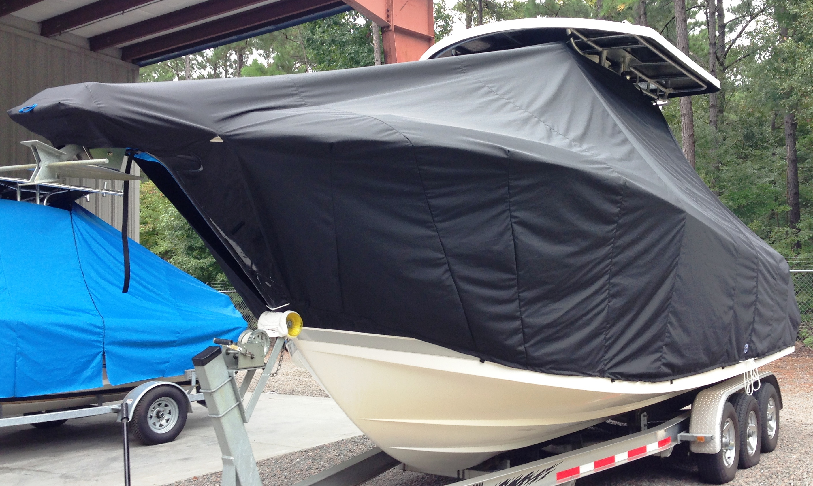 ProLine 29 Grand Sport, 20xx, TTopCovers™ T-Top boat cover, port front