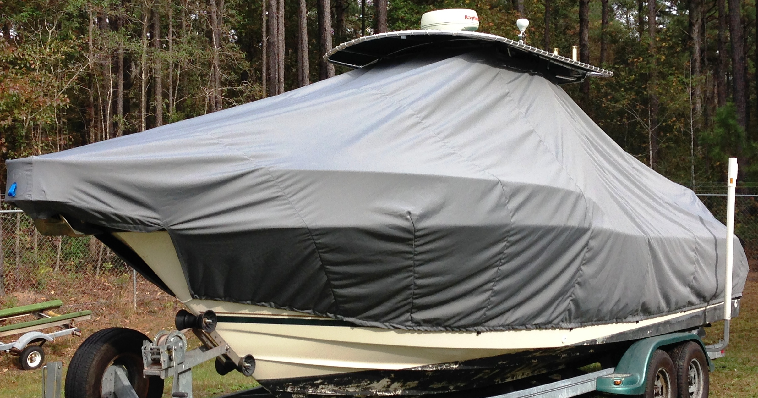 Pursuit 2470, 20xx, TTopCovers™ T-Top boat cover, port front