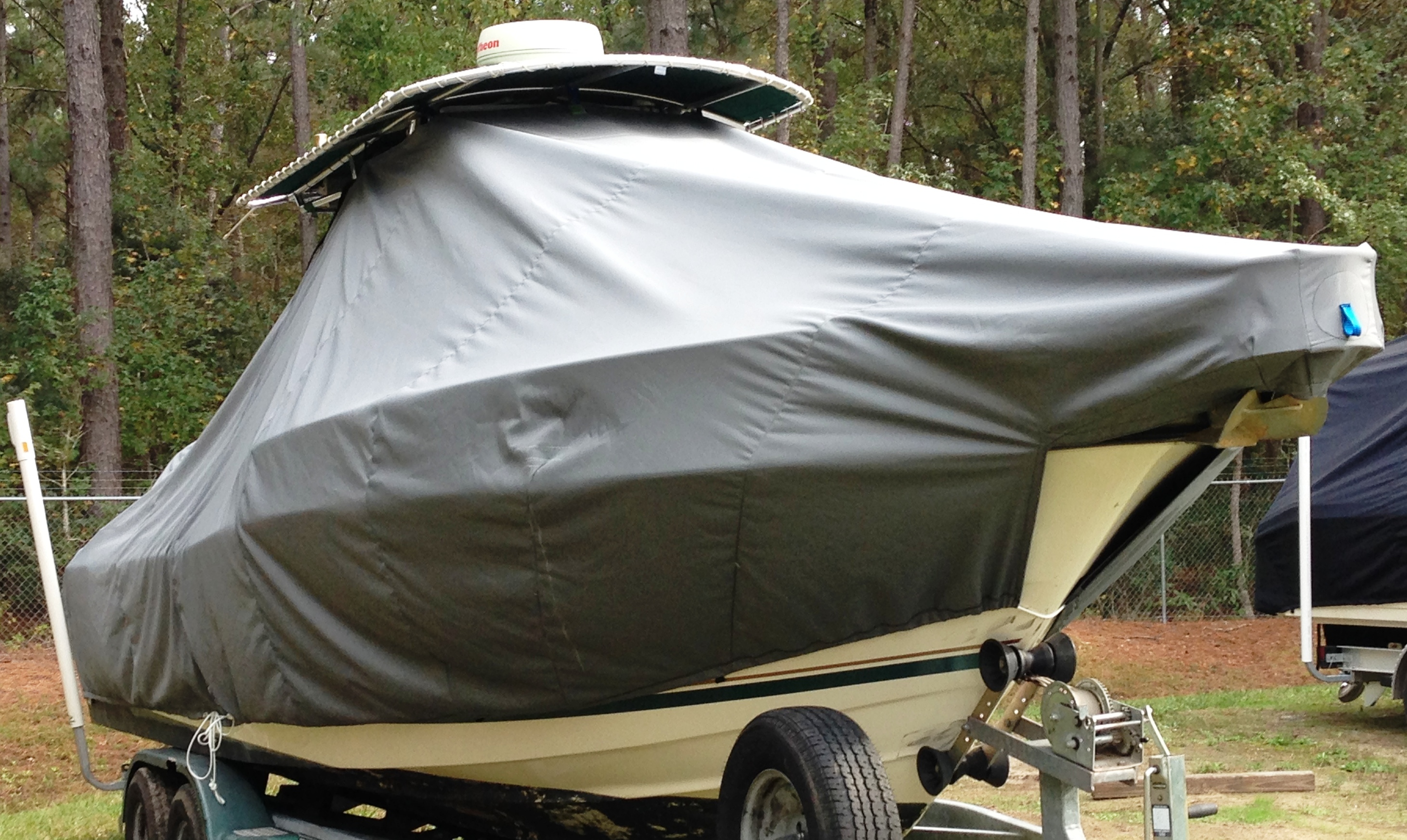 Pursuit 2470, 20xx, TTopCovers™ T-Top boat cover, starboard front