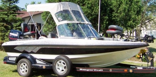 Ranger 1750-Reata, 2007: Bimini-Top,, Front-Connector, starboard-front