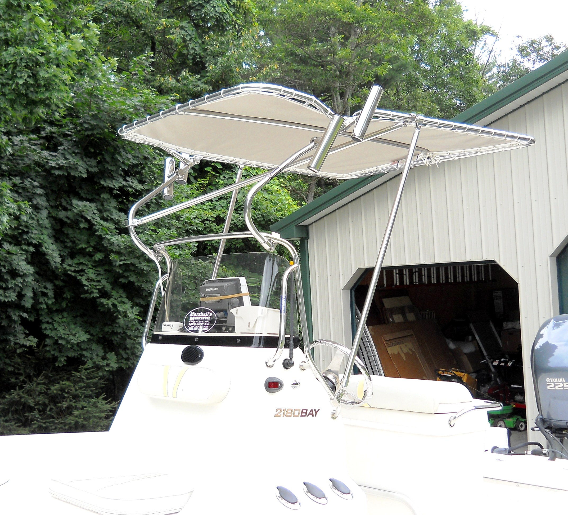 Ranger 2180 Bay Ranger, 2005, T-Topless™ closeup, port front