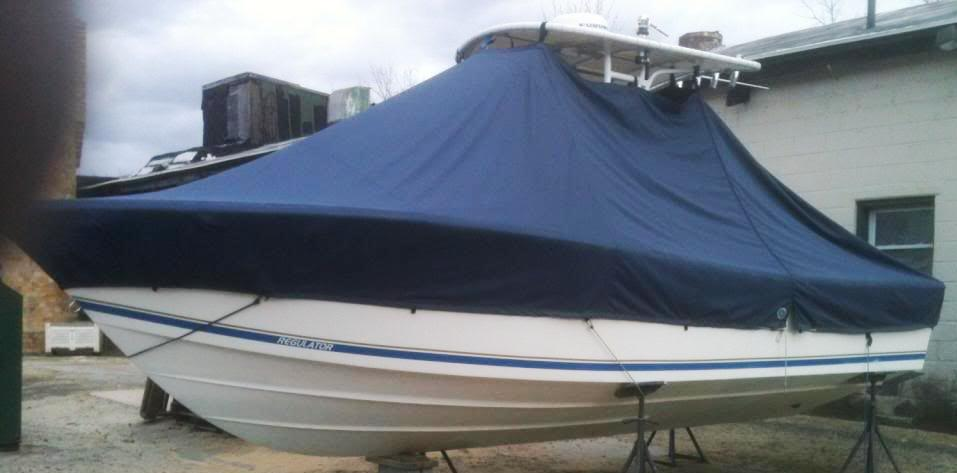 Regulator 23FS, 20xx, TTopCovers™ T-Top boat cover on stand, port side