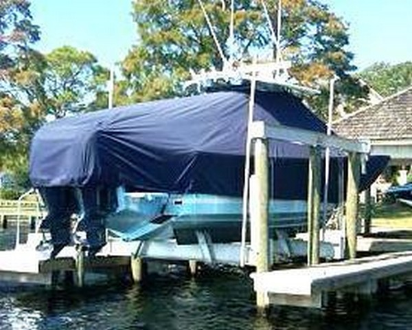 Regulator 34SS, 20xx, TTopCovers™ T-Top boat cover on Lift, starboard rear