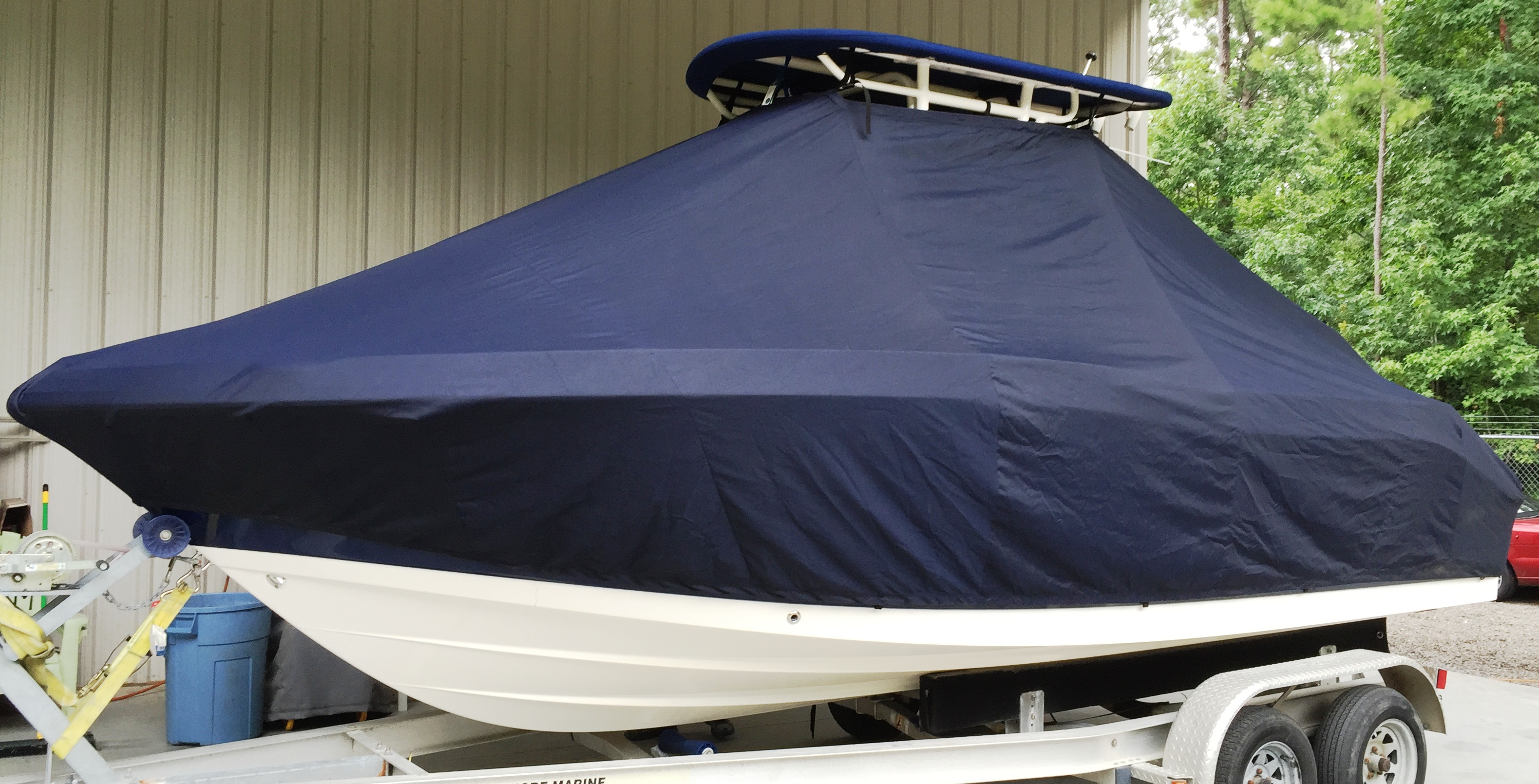 Robalo, 200CC, 20xx, TTopCovers™ T-Top boat cover, port front