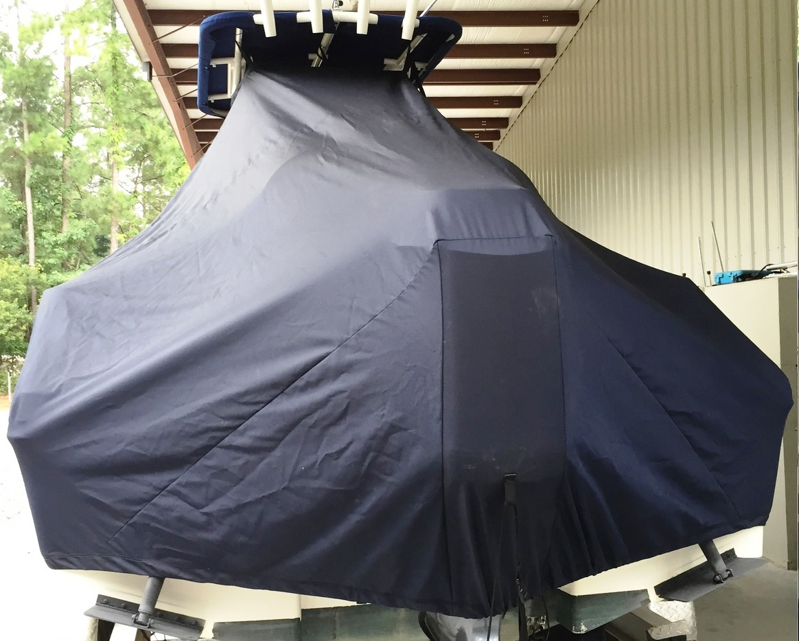 Robalo R202 Explorer, 20xx, TTopCovers™ T-Top boat cover rear