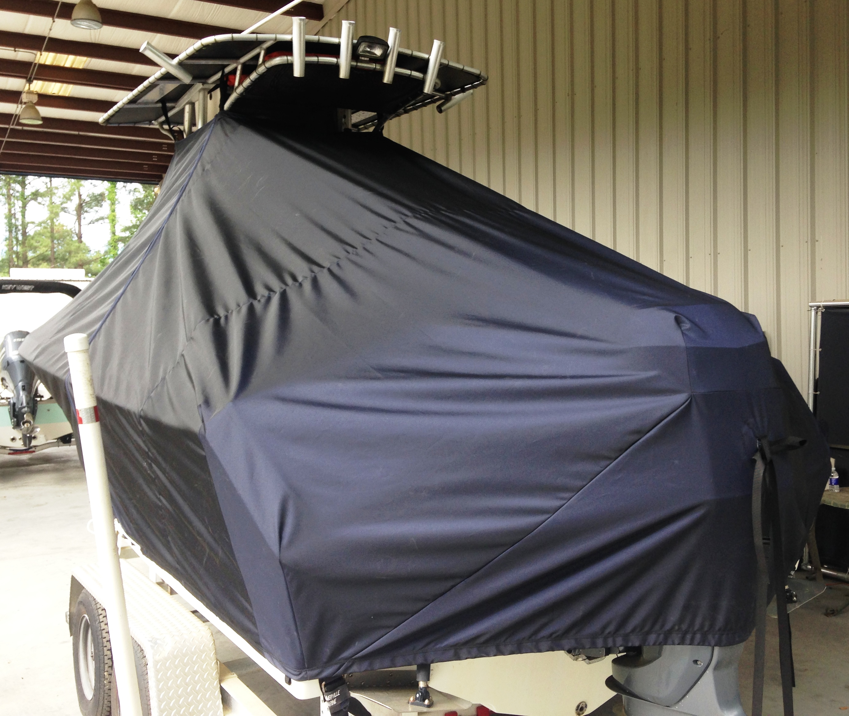 Sailfish 218CC, 20xx, TTopCovers™ T-Top boat cover Black, port rear