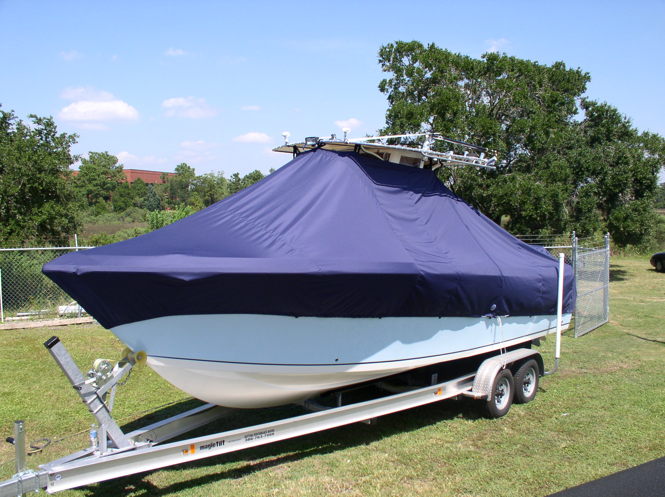 Sailfish 266CC, 20xx, TTopCovers™ T-Top boat cover, port front