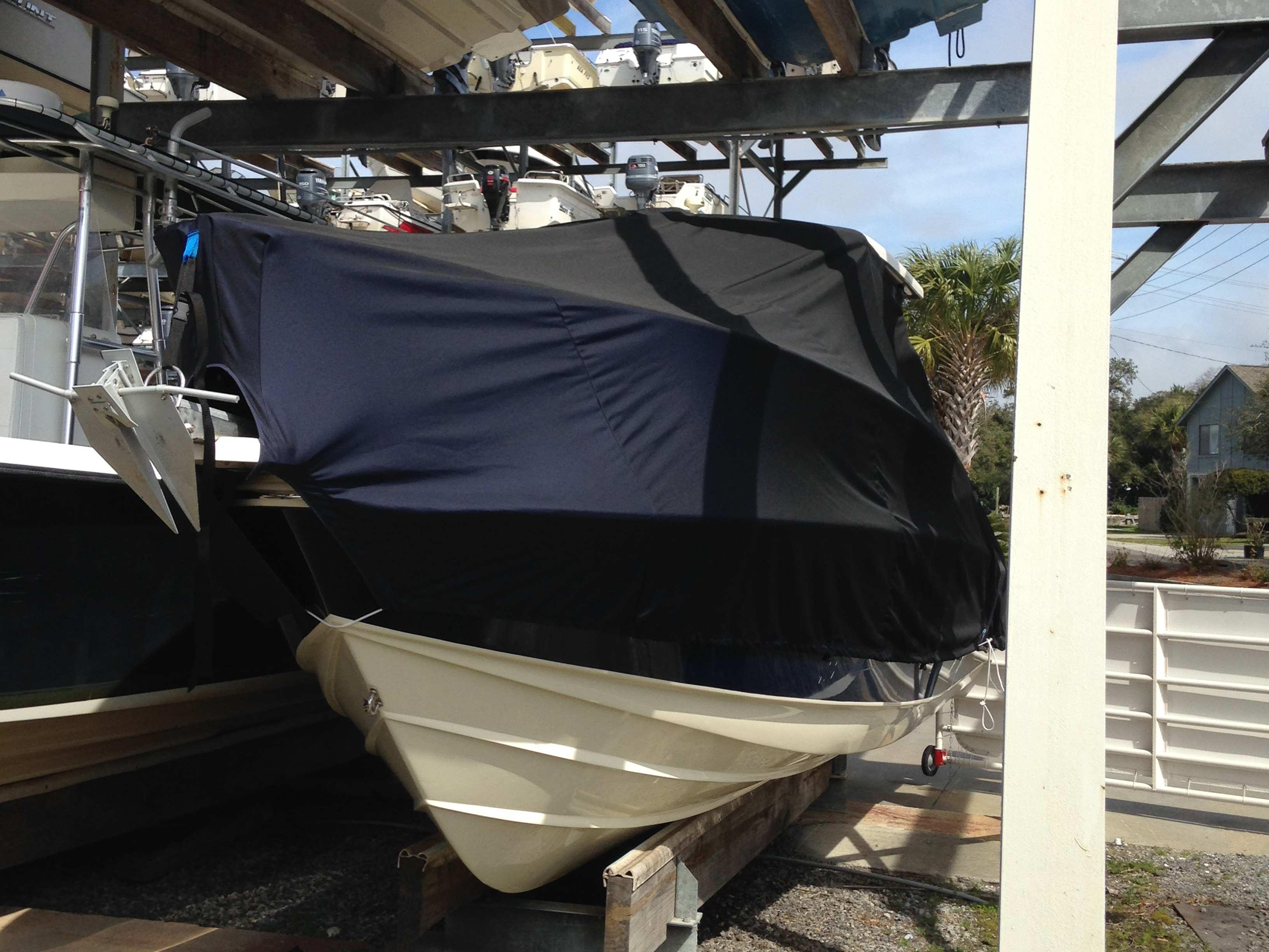 Scout 242 Abaco, 20xx, TTopCovers™ T-Top boat cover, port front
