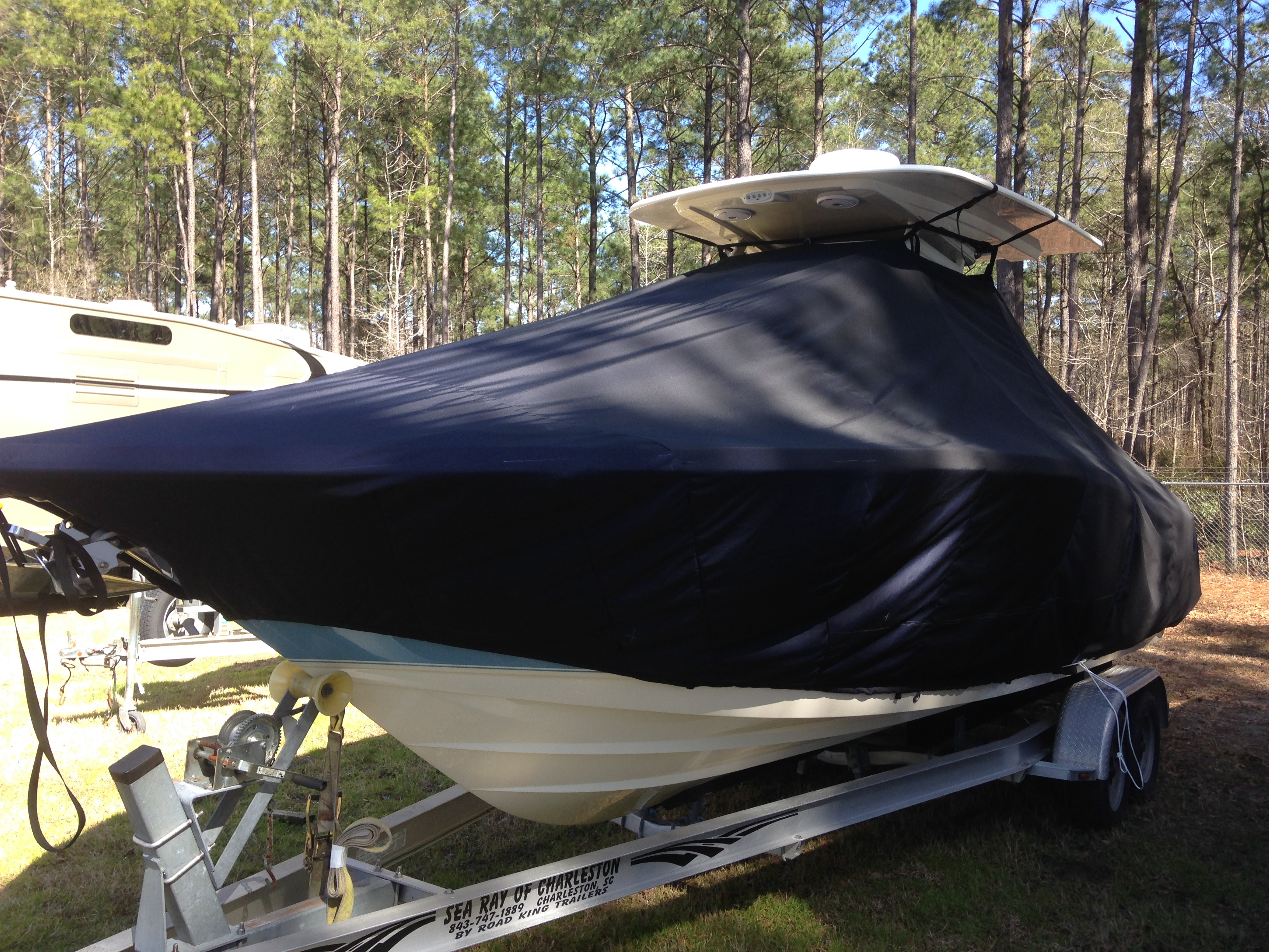 Scout 255 LXF, 20xx, TTopCovers™ T-Top boat cover, port front