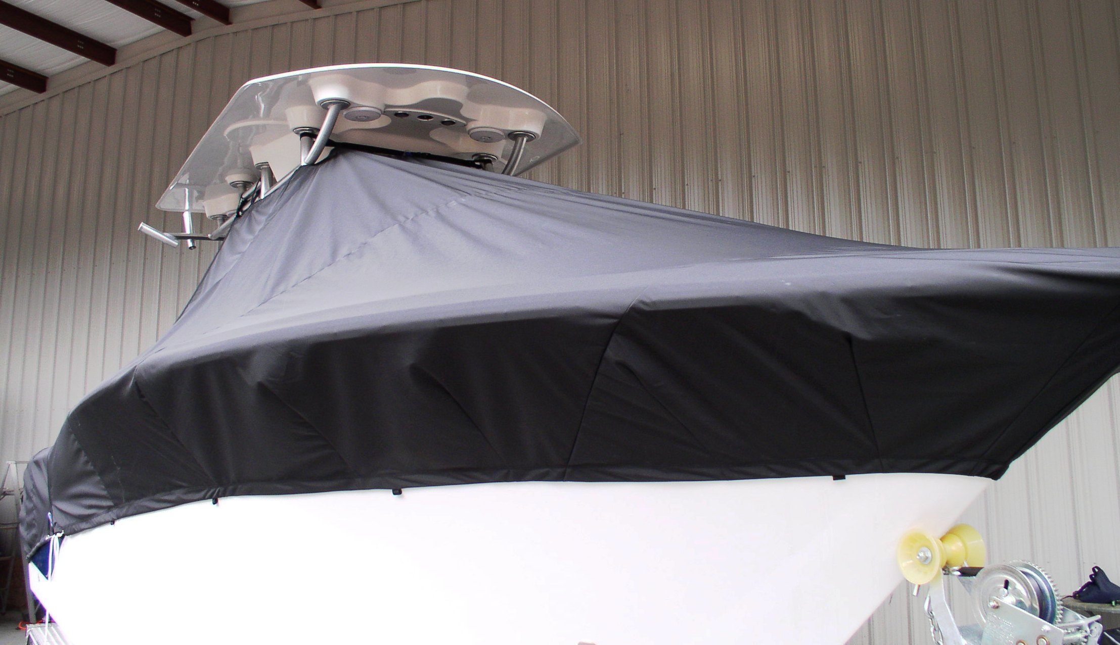 Sea Fox 256CC Commander, 20xx, TTopCovers™ T-Top boat cover Black, starboard front