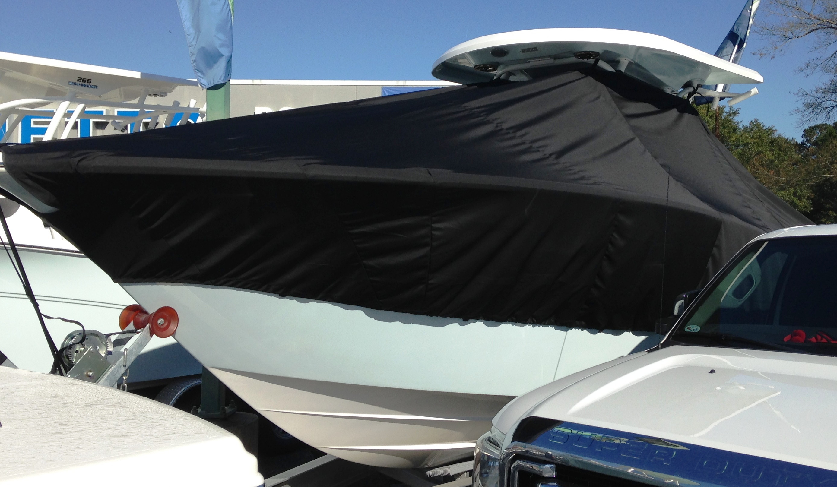 Sea Fox 286CC Commander, 20xx, TTopCovers™ T-Top boat cover, port front