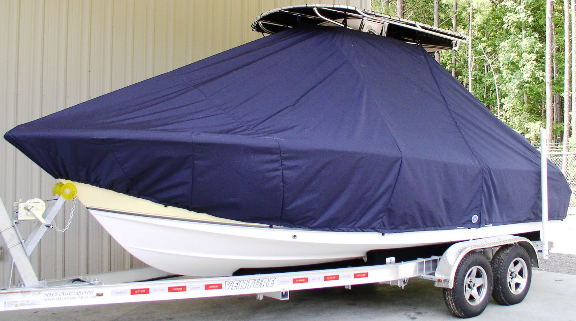 Sea Hunt Ultra 211, 20xx, TTopCovers™ T-Top boat cover, port front