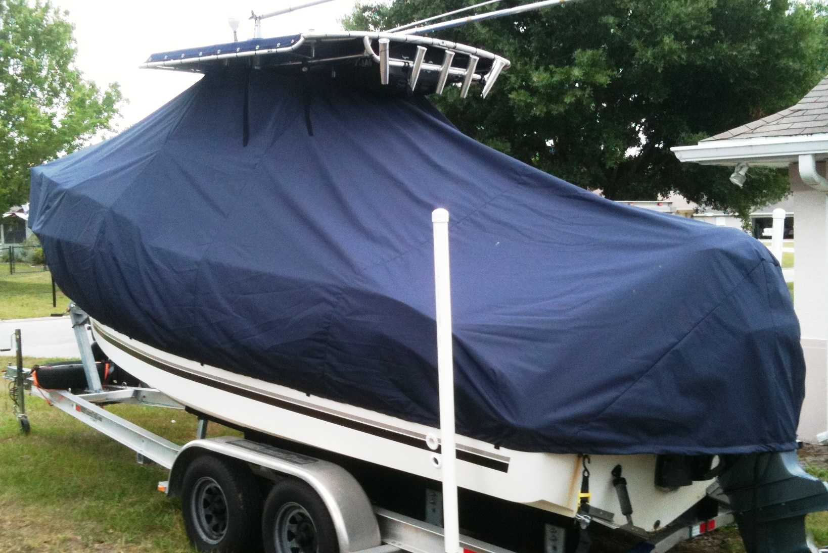 SeaSwirl Striper 2301CC, 20xx, TTopCovers™ T-Top boat cover, port rear