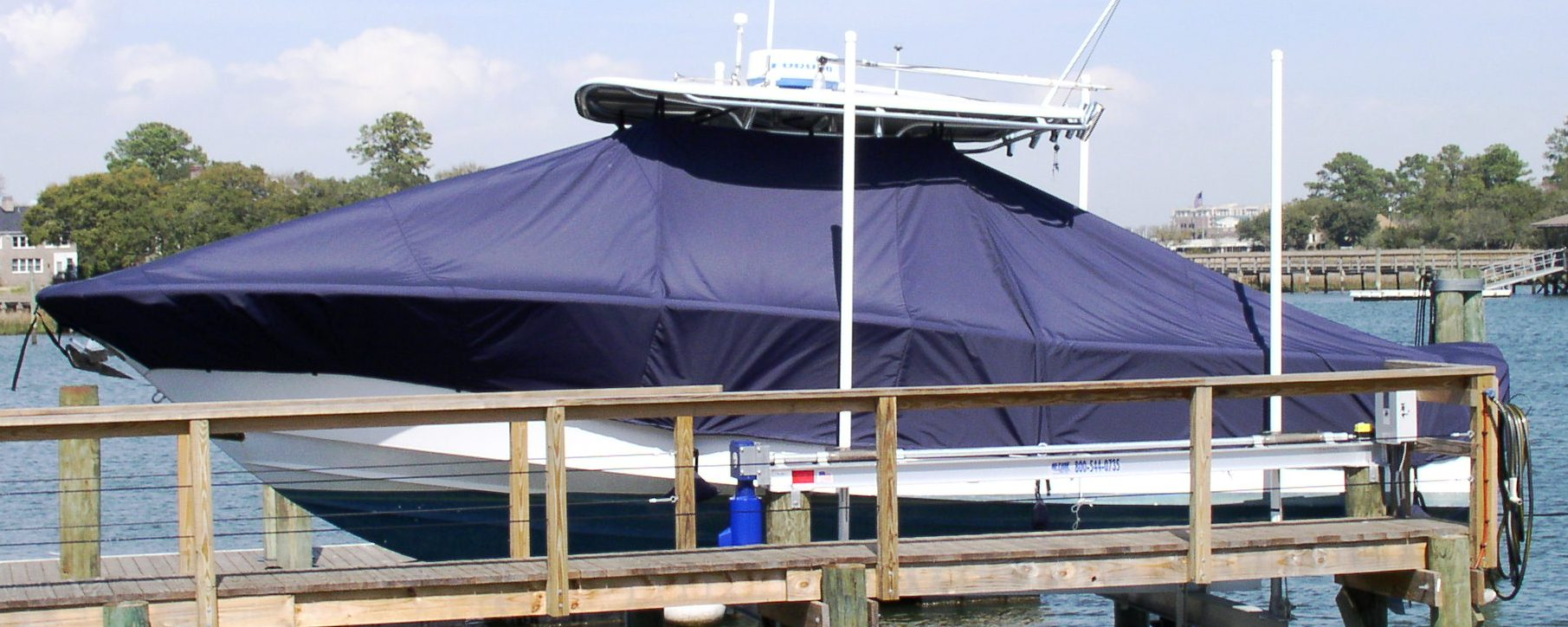 Southport 29cc, 20xx Hard Top on Lift, TTopCovers™ T-Top boat cover, port side