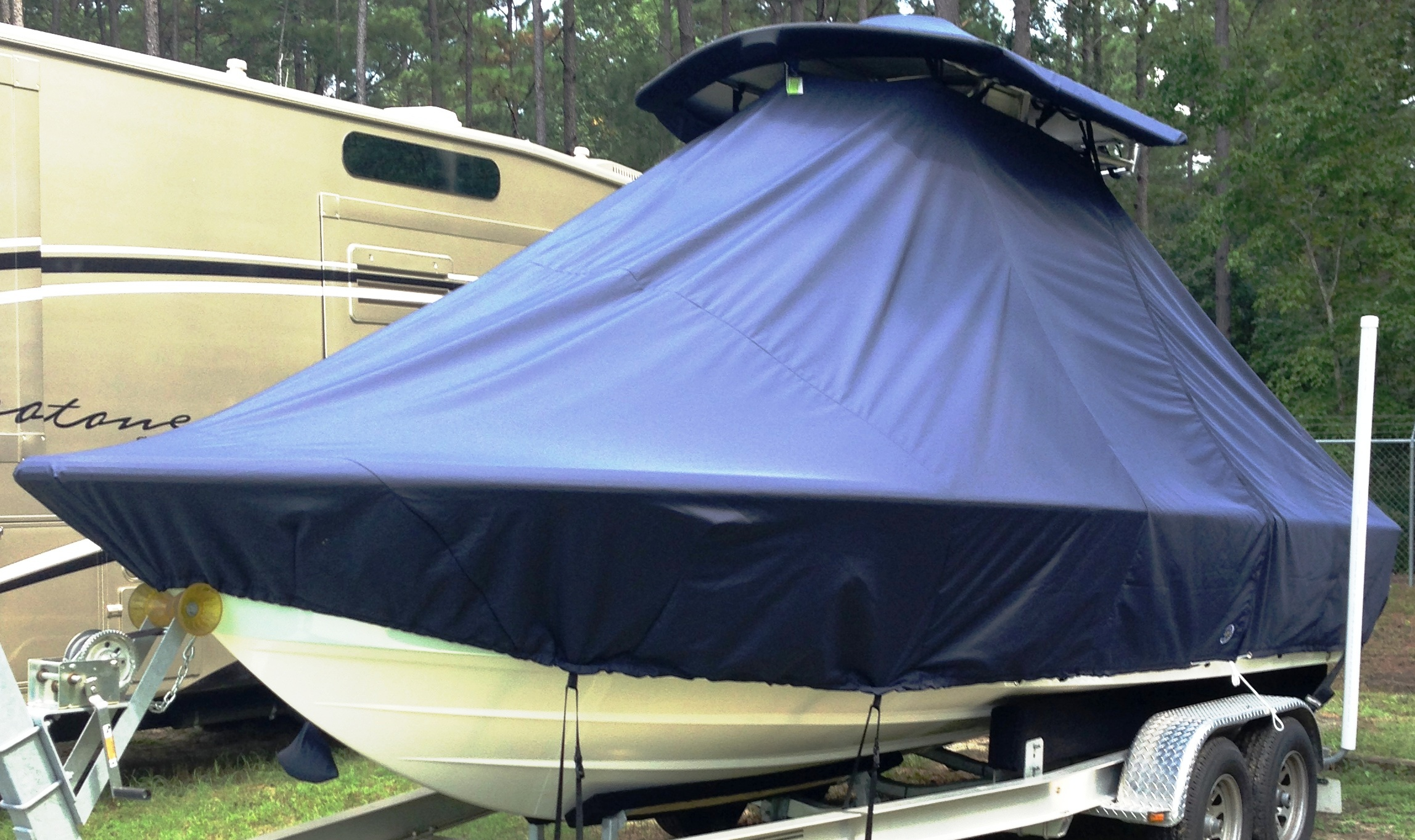 Sportsman Masters Platinum 227, 20xx, TTopCovers™ T-Top boat cover, port front