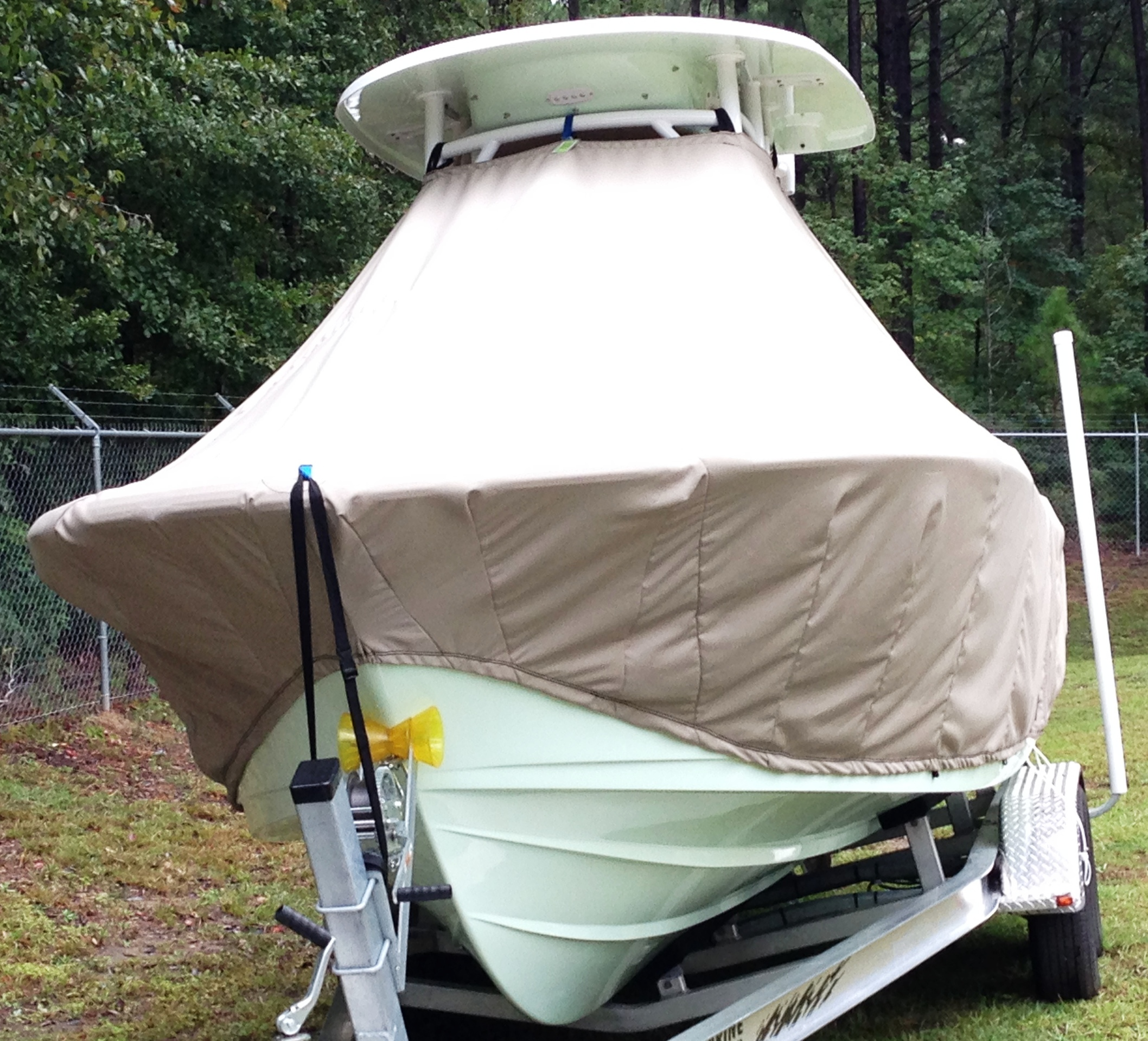 Sportsman Open 232 Platinum, 20xx, TTopCovers™ T-Top boat cover front