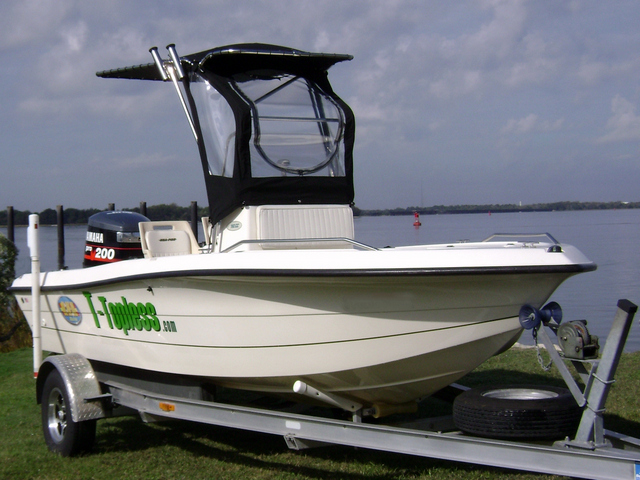 T Topless Medium Spray Shield Starboard Front 640x480