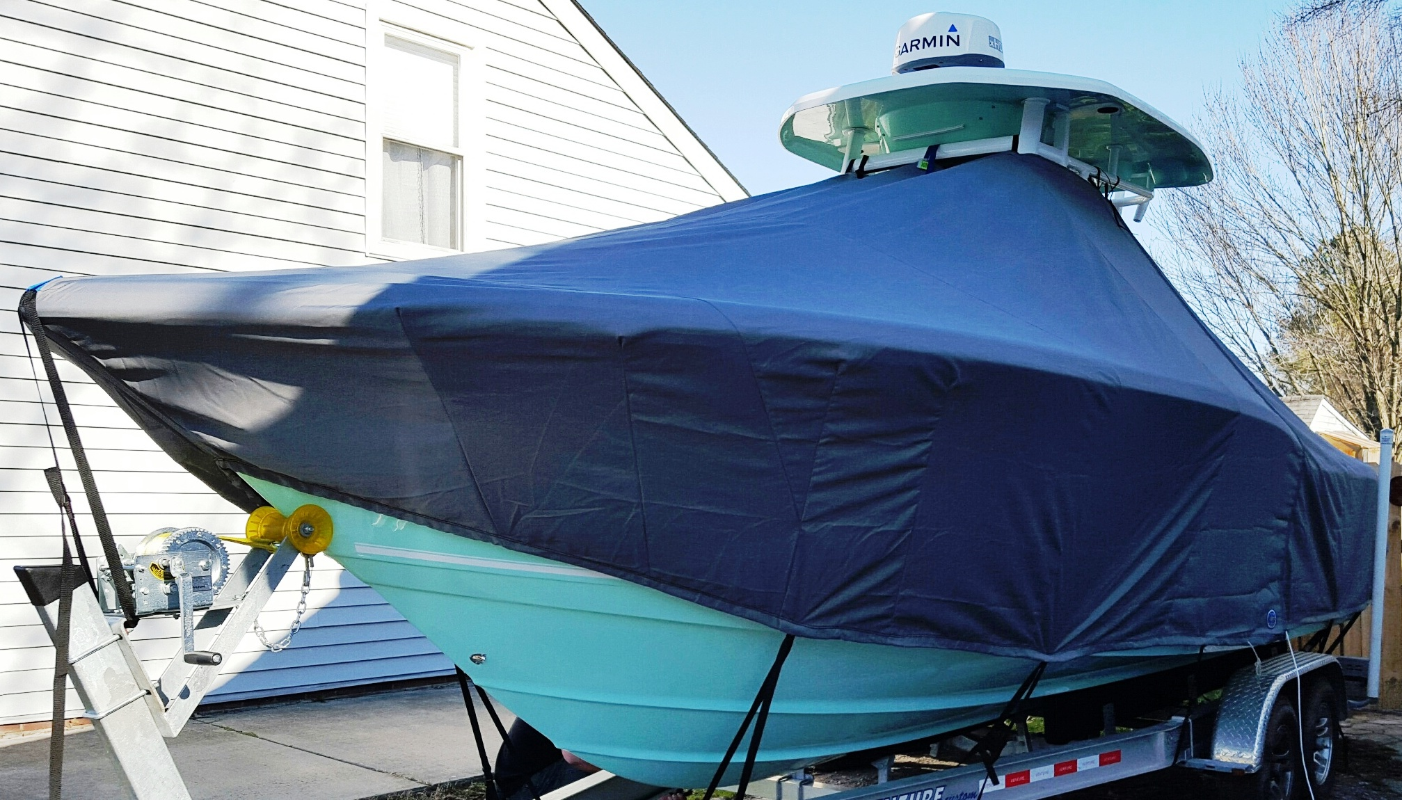 Tidewater 252CC, 2016, TTopCovers™ T-Top boat cover, port front