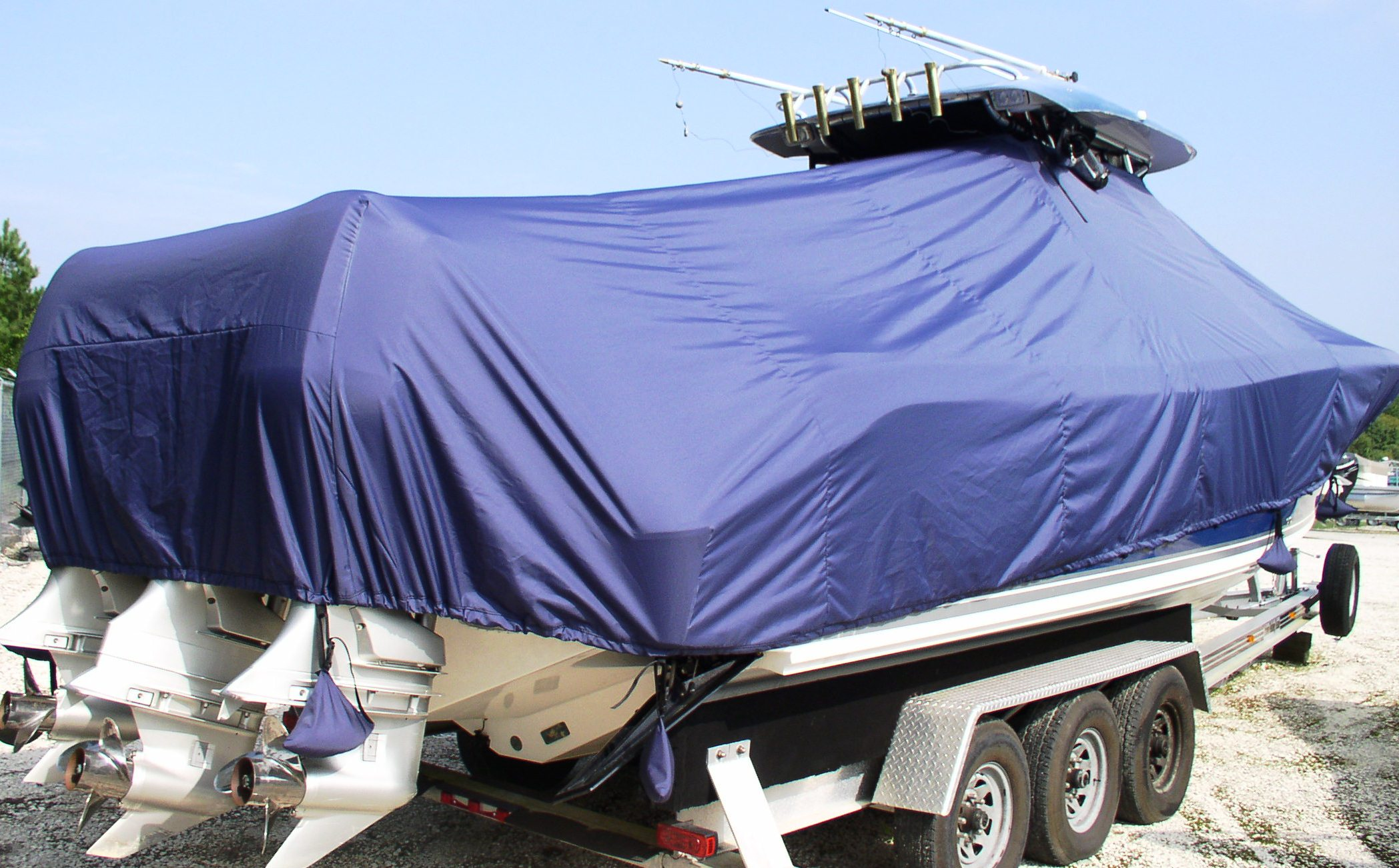 Triton 351CC, 20xx, TTopCovers™ T-Top boat cover Sand Bags, starboard rear