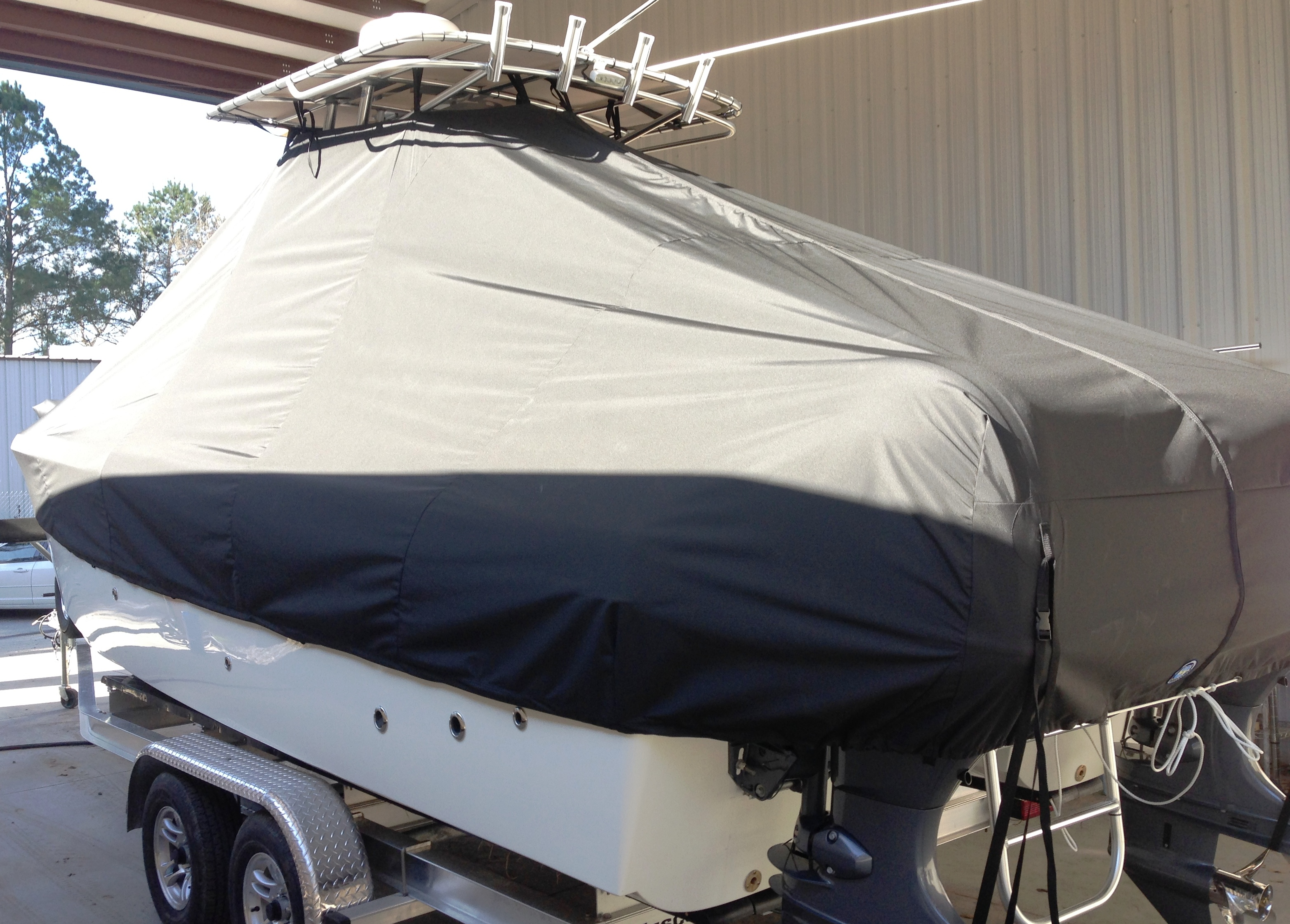 World Cat 230 CC, 20xx, TTopCovers™ T-Top boat cover, port rear