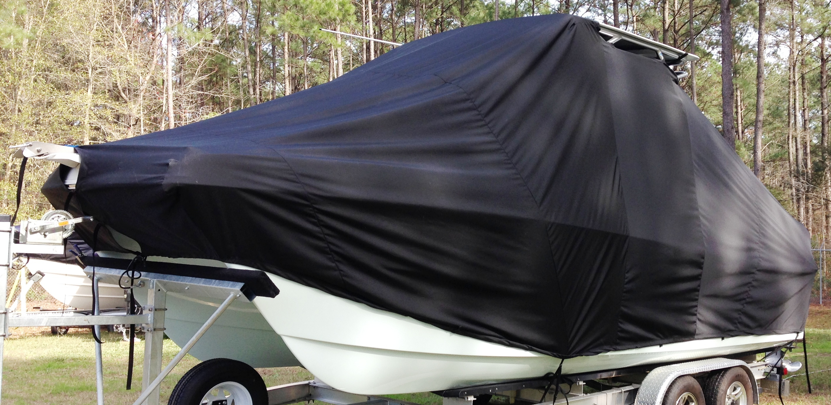 World Cat 230 DC, 20xx, TTopCovers™ T-Top boat cover, port front