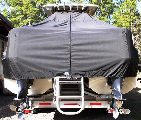 World Cat 320 CC, 20xx, TTopCovers™ T-Top boat cover rear